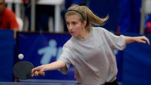 Una deportista busca ayuda para competir en el Sudamericano con la Selección Juvenil de Tenis de Mesa