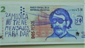 Cómo reconstruir la identidad argentina con billetes