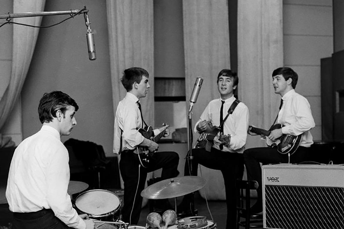 """El día que se grabó """"Please please me"""" - Radio Cantilo"""