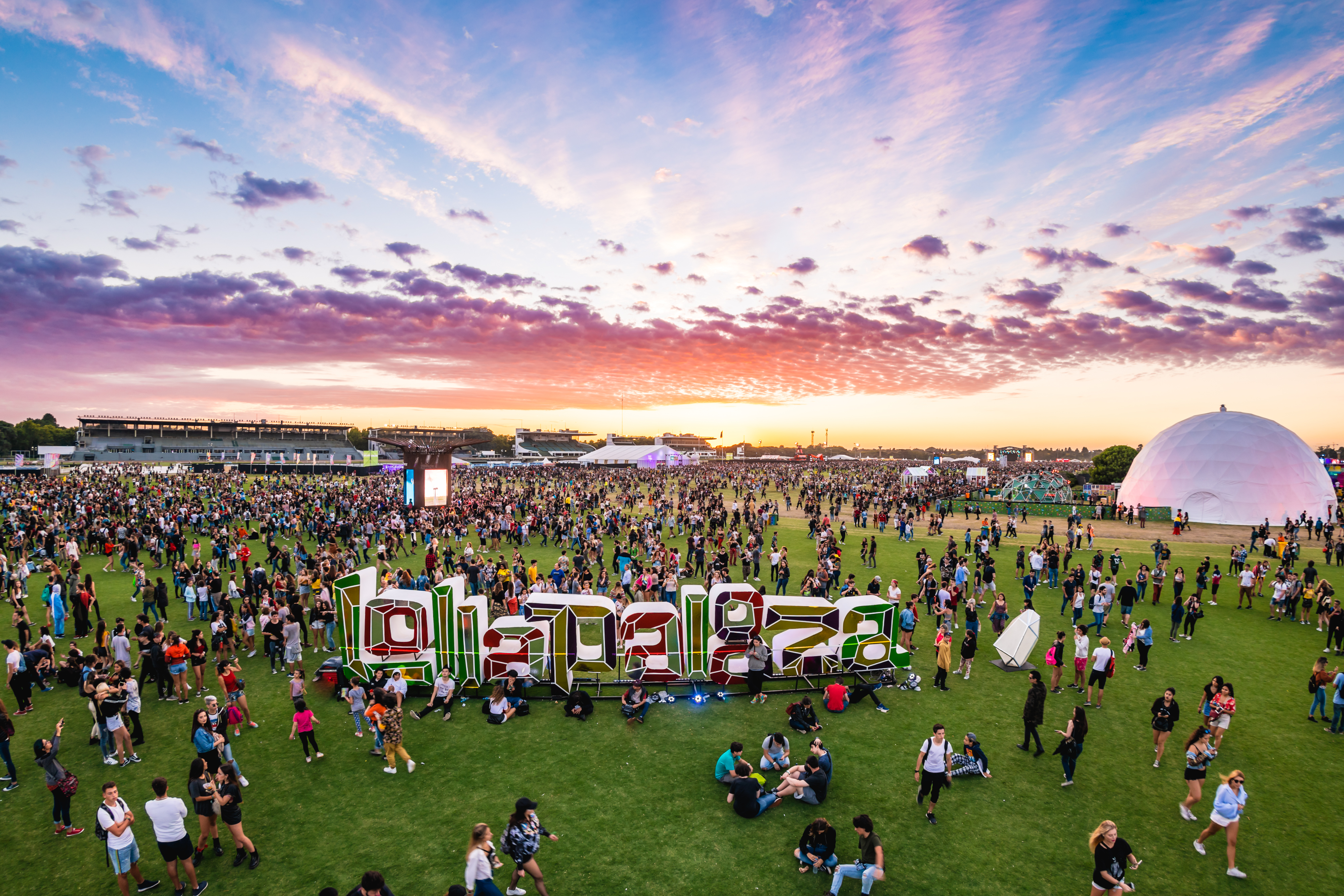 Lollapalooza anuncia sideshow de Perry Farrel - Radio Cantilo