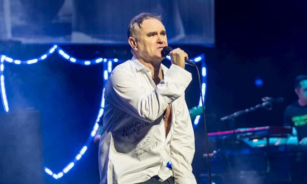"""Morrissey le canta al desamor en su nuevo tema """"Love is On Its Way Out"""" - Radio Cantilo"""