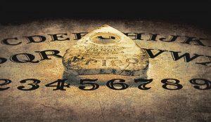 Por qué no deberías jugar con la Ouija