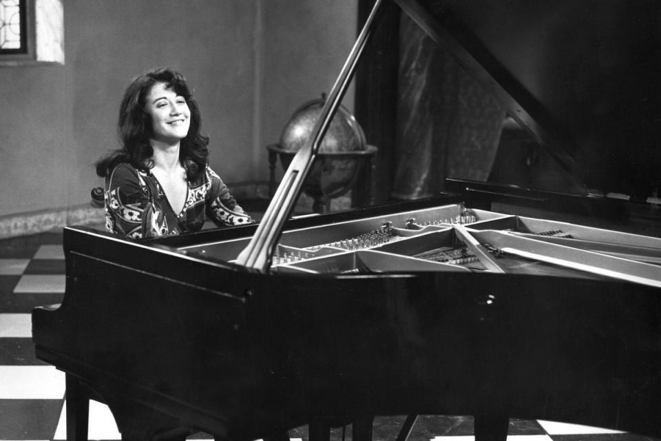 13 maneras de decir Martha, por Juan Forn - Radio Cantilo