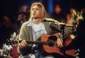 Subastarán la guitarra que Kurt Cobain usó en el MTV Unplugged de Nirvana