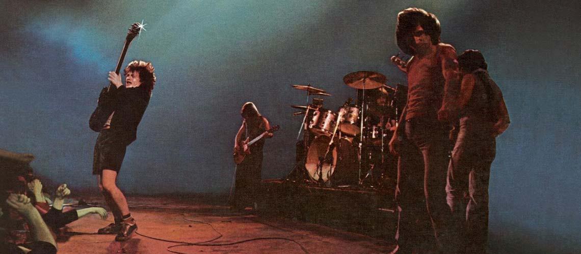 """Se cumplen 43 años del lanzamiento de """"Let There Be Rock"""" - Radio Cantilo"""