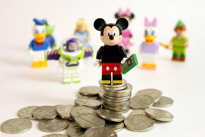 Las 10 polémicas reglas que Disney les impone a sus actores - Radio Cantilo