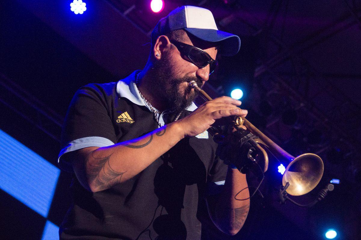 """Hugo Lobo: """"La música que yo toco reivindica a los afros desde siempre"""" - Radio Cantilo"""